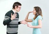 Jovem casal brigando. — Fotografia Stock