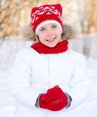 Pretty smiling little girl in wintertime. — Stok fotoğraf