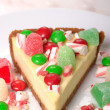 Festive Christmas Cheesecake with assorted candies — Foto Stock