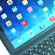 IPad accessories - wireless keyboard — Stock Photo