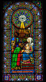ステンド グラス少女スリーキングス赤ちゃんイエス様マリア修道院モントセラト — ストック写真