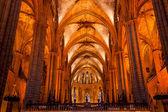 Gótica católica barcelona catedral basílica colunas de pedra catal — Fotografia Stock