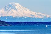 マウント ・ レーニエ ピュー ジェット サウンド北シアトル雪山ワシントン — ストック写真