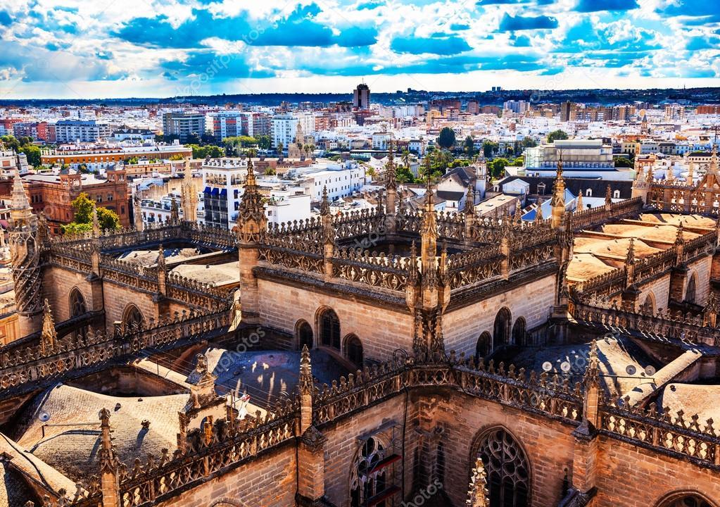 Tour de ville vue de la cathédrale giralda de Séville tour Espagne ...