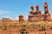 Three Sisters Hoodoos Goblin Valley State Park Rock Canyon Utah  — Stock Photo