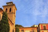 サンタ アナの教会イグレシア ムーン リオ ダロ グラナダ アンダルシア sp — ストック写真