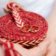 Wedding rings on a rope — Stock Photo