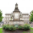 Leonardo da Vinci monument in Milan — Stock Photo