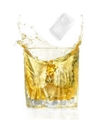 Stück Eis und Alkohol cocktail — Stockfoto