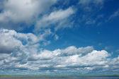 天空和大云 — 图库照片