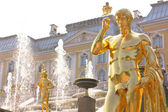 Detail of the Grand Cascade Fountain in Peterhof — Stock Photo