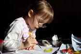 Dívka malba — Stock fotografie