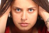 Jovem com rosto de expressão — Fotografia Stock