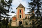 Viejo castillo abandonado — Foto de Stock