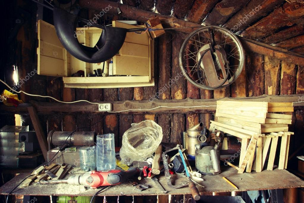 The work place in old woody garage — Stock Photo #12800770