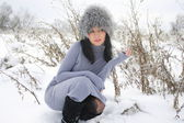 Nice girl in the winter landscape outdoor — Foto Stock