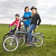 Cycling family — Stock Photo