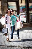 Shopping i staden — Stockfoto