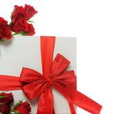 Gift with red roses — Stock fotografie