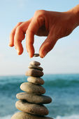 Balanced stone tower — Stock Photo