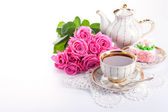 Сup of tea and roses — Foto Stock