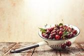 Cerejas maduras — Fotografia Stock