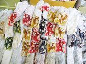 Delicias turcas largas y coloridas para la venta — Foto de Stock