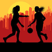 Women basketball in front of city sunset vector — Cтоковый вектор