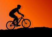 Etkin bisikletçi bisiklet binici arka plan illüstrasyon vektör — Stok Vektör