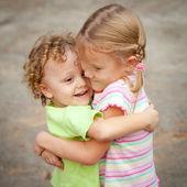 Hermano y hermana juntos por siempre — Foto de Stock