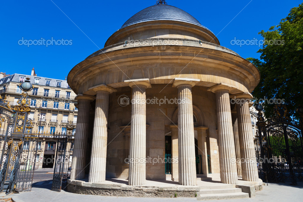 Building A House On Pillars : Building with pillars all around — stock photo