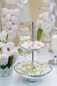 Delicious wedding sweets — Stock Photo