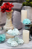 Red and blue wedding table set — Stock Photo