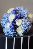 Beautiful wedding flowers bouquet — Stock Photo