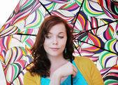 Renkli şemsiye olan kadın — Foto de Stock