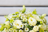 Wedding bouquet with two wedding rings — Stok fotoğraf
