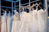 несколько красивые свадебные платья — Стоковое фото
