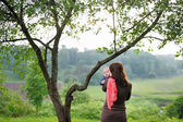 Woman with her baby at the park — ストック写真