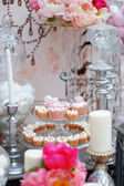 Delicious wedding sweet table — Stock Photo