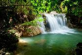 懐メイ khamin 滝 — ストック写真