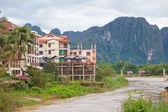 Vila e montanha — Foto Stock