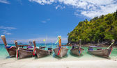 Boats and the clear sea — Stock Photo