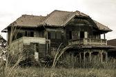 Casa velha abandonada — Foto Stock