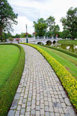 Walkway in garden — Stock Photo