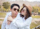 对年轻夫妇在爱 — 图库照片