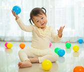 Niña asiática en casa — Foto de Stock