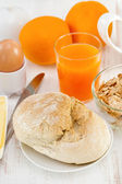 Bread with egg and orange juice — Stock Photo