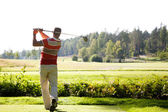 Man playing golf — Photo