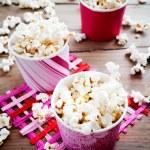 Popcorn — Stock Photo #25743569