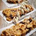 Homemade granola bars — Stock Photo #44124931